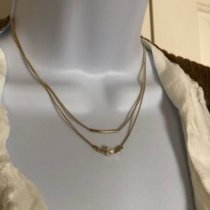 Jewelry - New delicate layered gold toned necklace